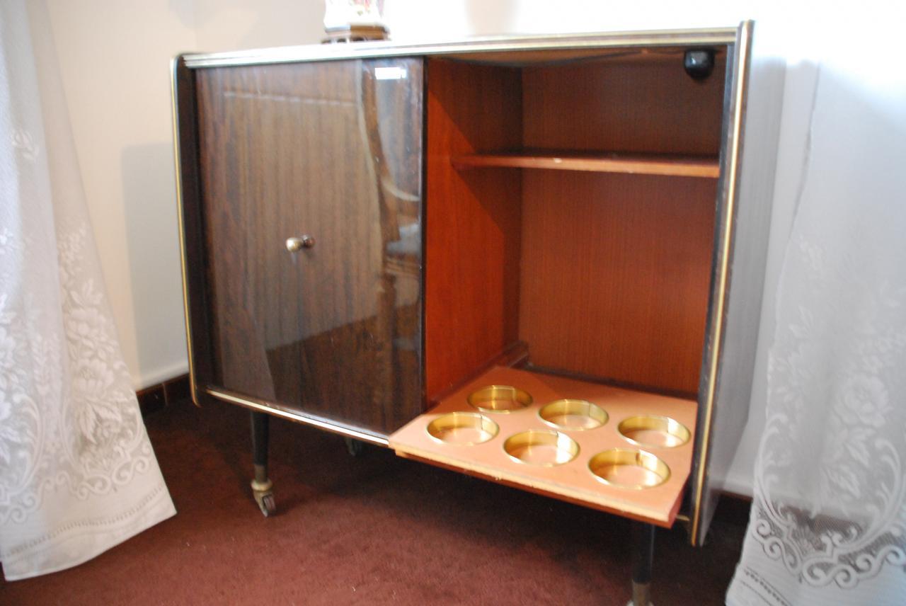 bouteilles et bocaux anciens et de collections vendre. Black Bedroom Furniture Sets. Home Design Ideas